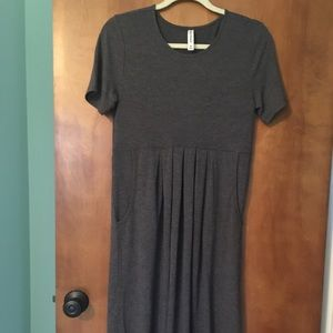 Gray pleated dress with pockets